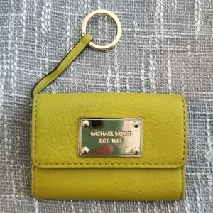 Micheal Kors green apple key ring leather wallet